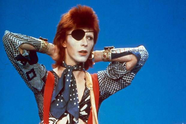Confira o vídeo de Ziggy Stardust ao vivo