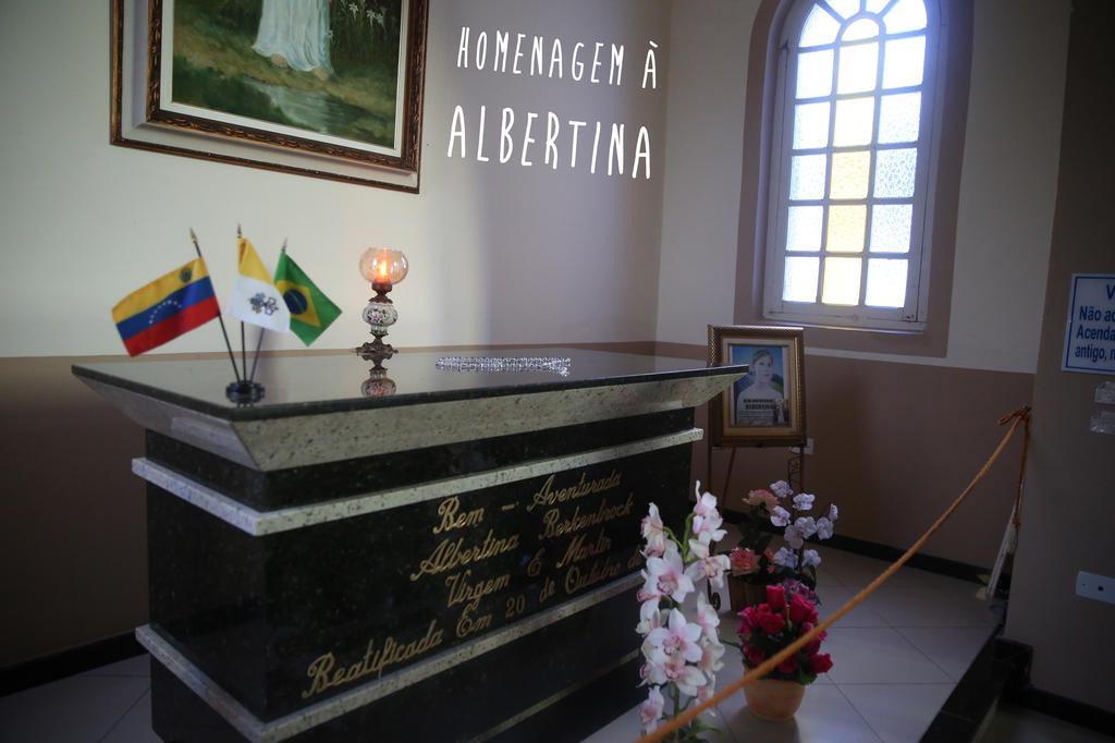 Homenagem à Albertina